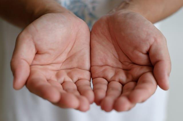 deux paumes de main